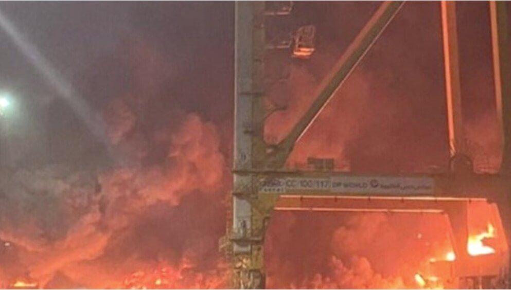 दुबई के जेबेल अली पोर्ट पर हुआ भयंकर धमाका,आस पास के इलाके में दहसत