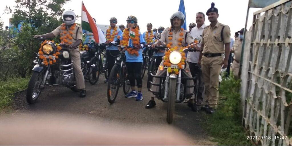 Azadi ka Amrit Mahotsav-C.R.P.F की साईकल रैली का लखनादौन में भव्य स्वागत।